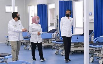 Presiden Joko Widodo meresmikan Rumah Sakit (RS) Modular Pertamina yang berlokasi di Tanjung Duren, Jakarta, pada Jumat, 6 Agustus 2021.